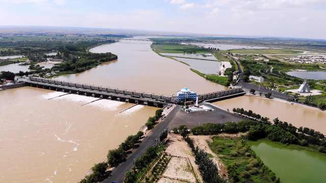 航拍万里黄河第一闸:62年前10万大军建成,拦水灌溉870万亩