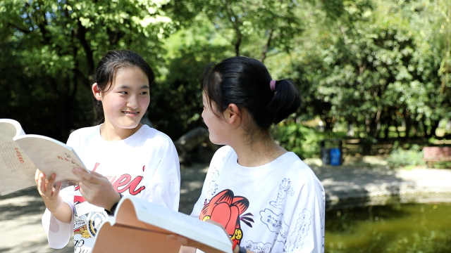 开学季|600分学霸双胞胎姐妹花考进同校同专业,还要一同读研