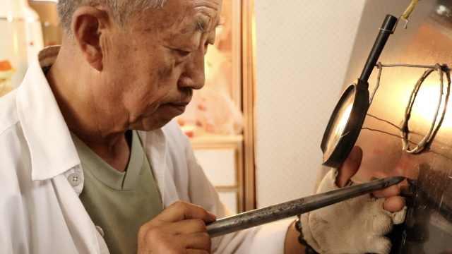 7旬农民大爷用10年在石头上刻出《红楼梦》,涉及360多个人物