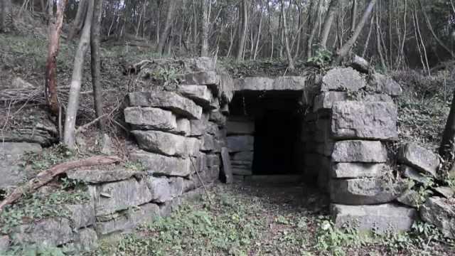 """襄阳深山老林惊现百年地下洞砦,洞内竟藏着一个""""世外桃源"""""""