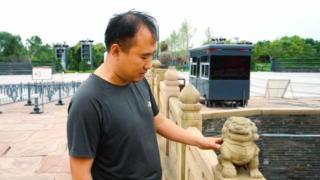 他在平遥古城到处找石狮子,采集300种样式做成文创