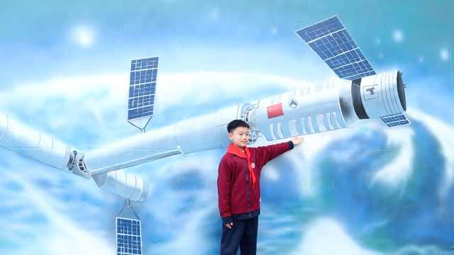 激发航天梦!农村小学绘制航天墙绘,学生下课抢着打卡