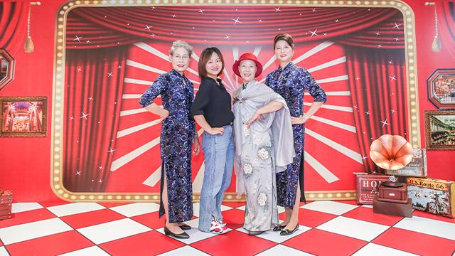 上海老年人老有腔调,重阳节都过得仪式感满满。