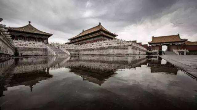 暴雨之下 为何摄影师齐聚故宫拍摄