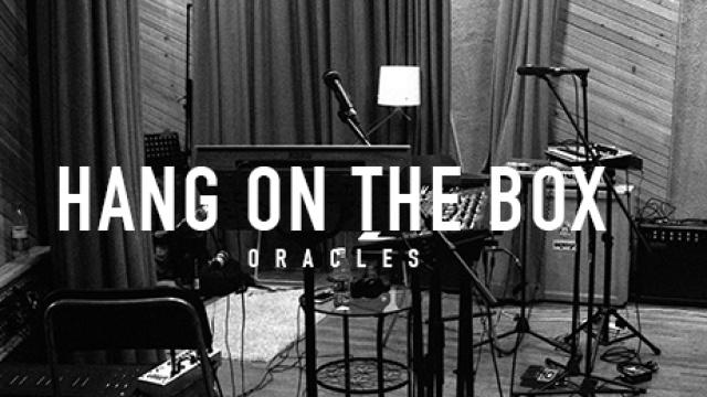 挂在盒子上乐队《Oracles》MV