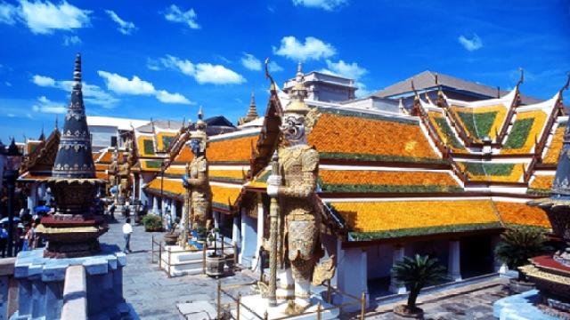 走进泰国卧佛寺
