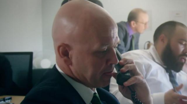 海豹突击队士兵退役做电话销售