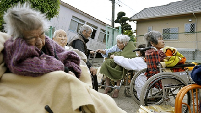 为什么日本的人口越来越少?