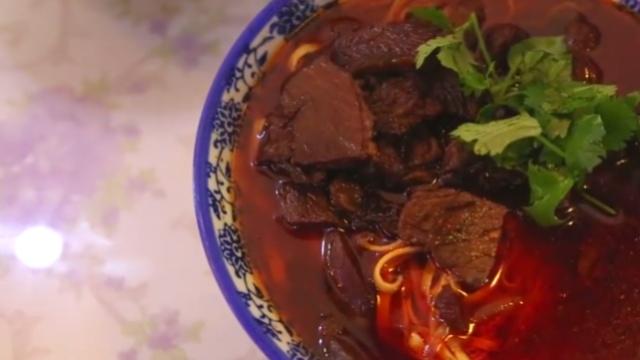 120种调料,熬煮6小时的牛肉