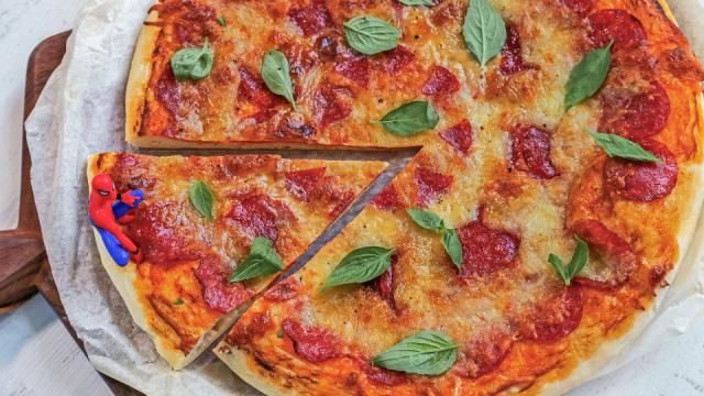 简单好吃芝士超多的意大利辣肠披萨