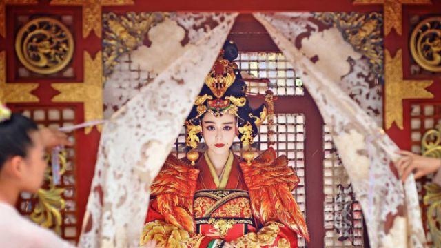 她终结中国贵族操控政治