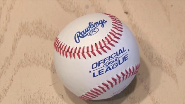 棒球华丽变身人字拖,没想到吧!