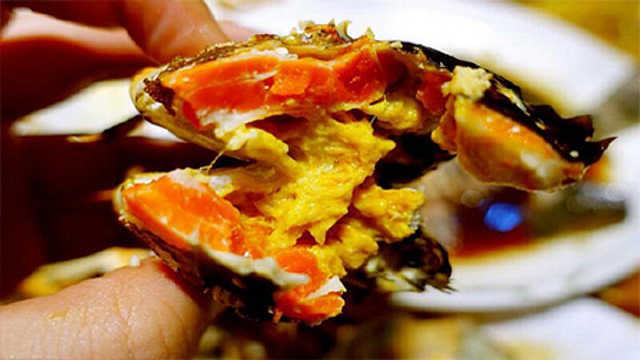 金秋的美味之最:清蒸大闸蟹