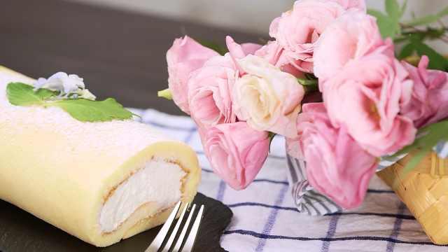 仙女下午茶:瑞士卷和抹茶拿铁