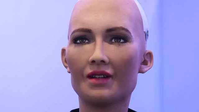 """沙特授予""""女性""""机器人公民身份"""