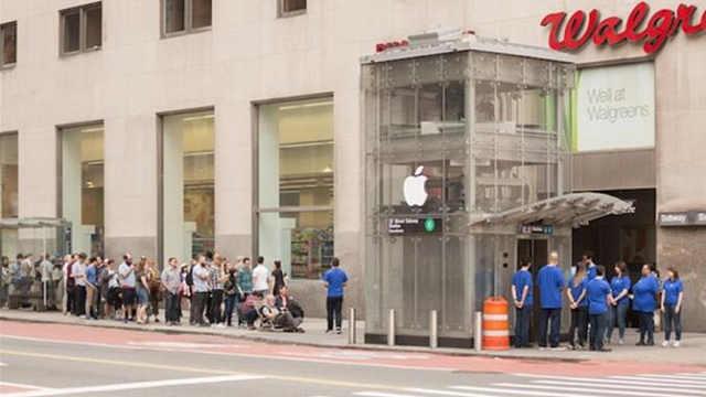 纽约地铁口变苹果店,能提前买手机