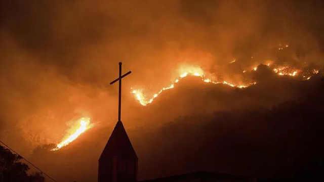 加州居民再度于午夜遭遇野火劫难