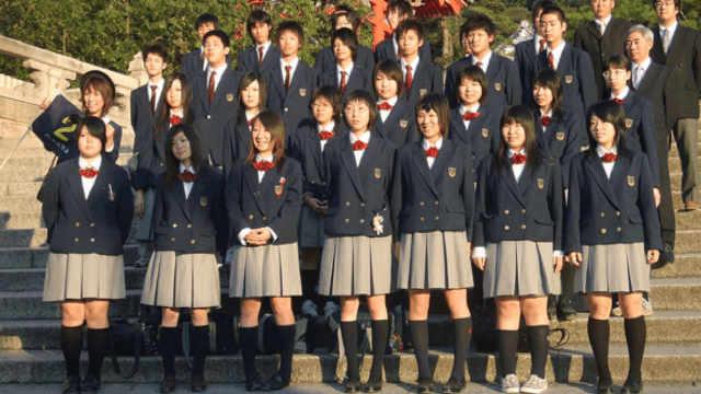 日本人为什么身高矮而且腿不直?