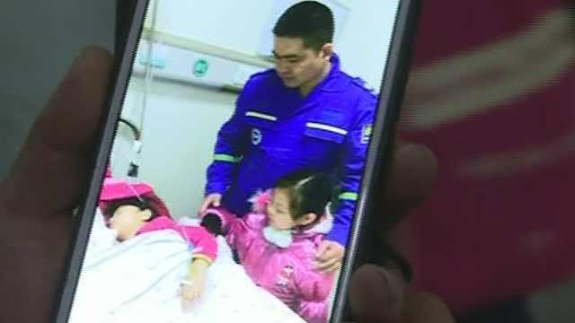 5岁坠楼女孩出院:想和妈妈在一起