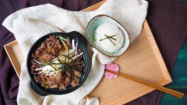 日式牛丼饭:快手又好吃!