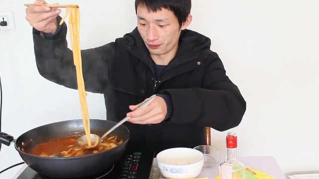试吃韩国火锅,30多块钱一顿