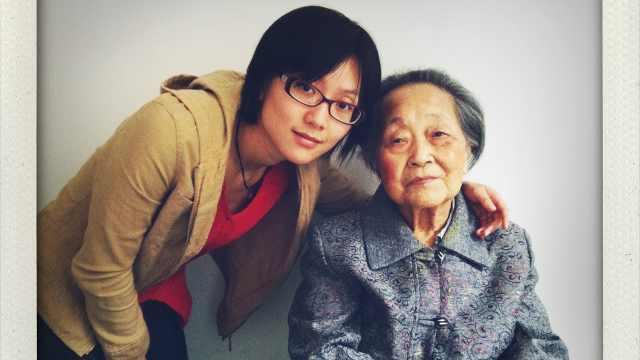 她用相机,记录下外婆的最后3年