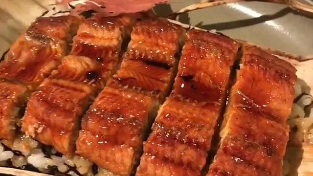 来份美味的鳗鱼饭,扫除一天的阴霾