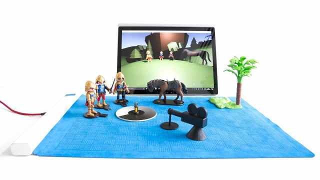微软正式发布最新黑科技桌垫