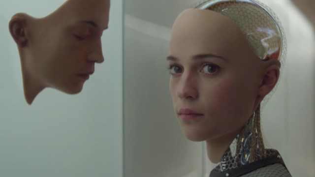 智能机器人成功出逃混入人类世界