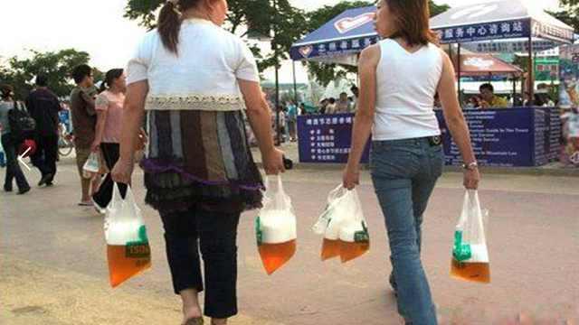 为什么青岛人买散啤非得用塑料袋?