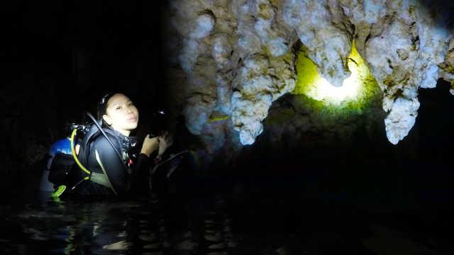 帕劳海底藏千年洞穴,别有洞天