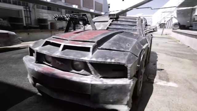 汽车装上加特林后堪比战车
