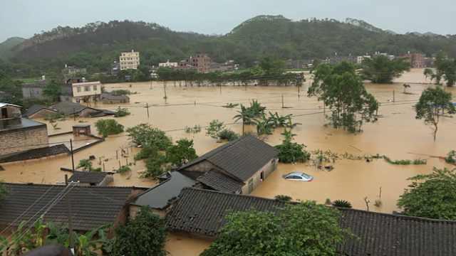 广西博白:暴雨致山洪暴发