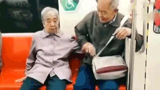 教养+爱情=这对老夫妻