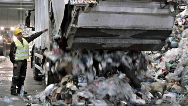 科学家警告塑料垃圾将威胁人类生存