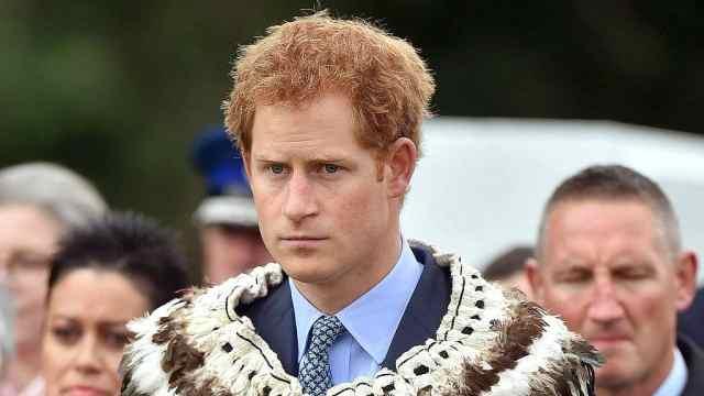 哈里王子:上得皇室宴下得运动场