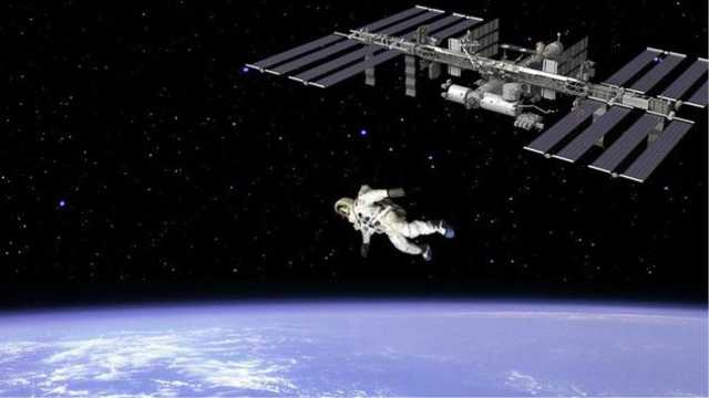 从国际空间站往下跳,会发生什么?