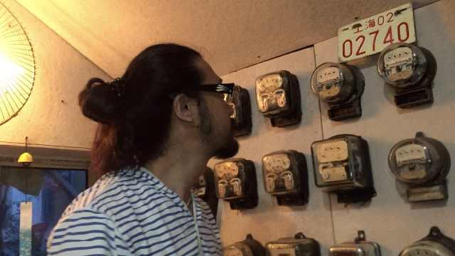 想开博物馆!40岁大叔收藏3千枚电表