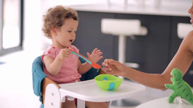 宝宝餐椅该怎么选?