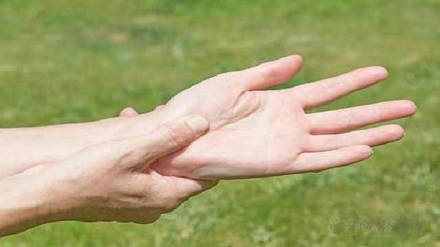 老了手脚麻木很正常?这是大病征兆