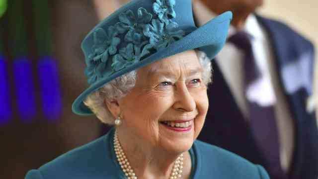 英国女王是多少个国家的元首?