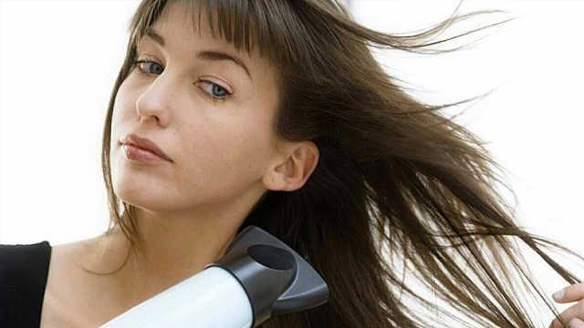 电吹风对头辐射大吗?