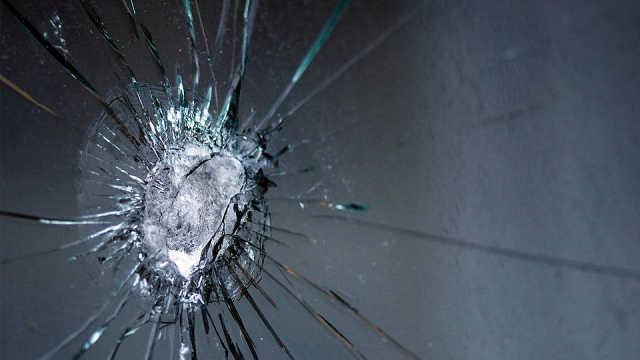 防弹玻璃是怎么防弹的?