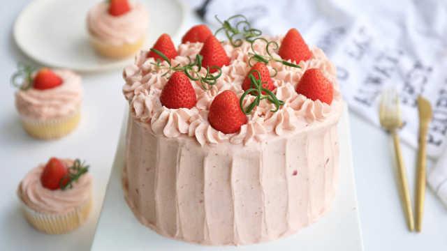 草莓奶油蛋糕,简单易做的美味甜品