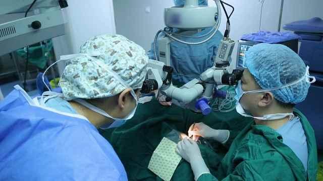 巫雷:多焦人工晶体恢复全程视力