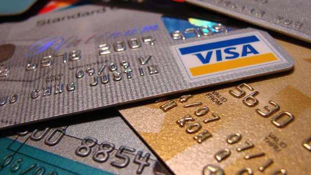 为什么你的信用卡额度突然下调?