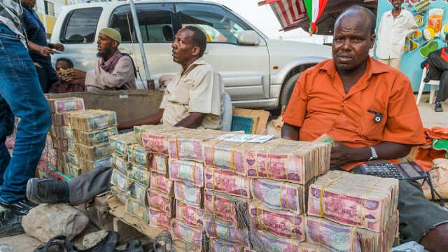 非洲这个国家穷得只剩钱了