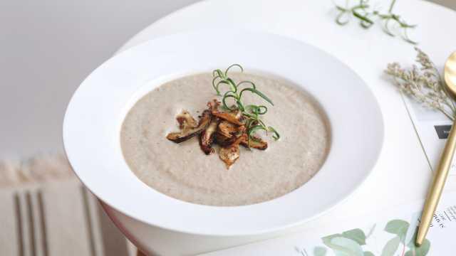 奶油蘑菇汤,松茸做汤是什么滋味?