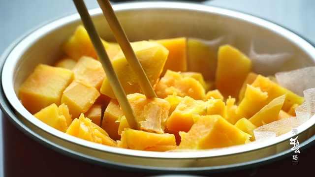 红薯丸子最好吃的做法,孩子特爱吃
