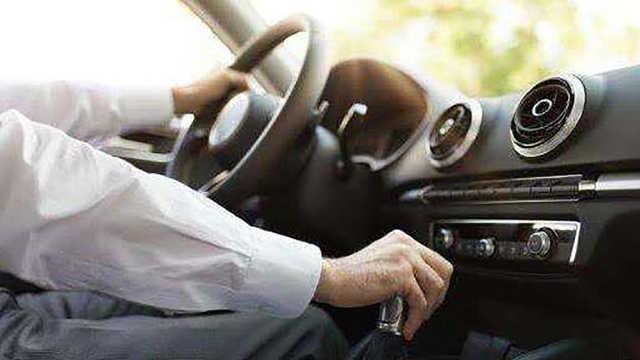 新手司机开车上路容易紧张?